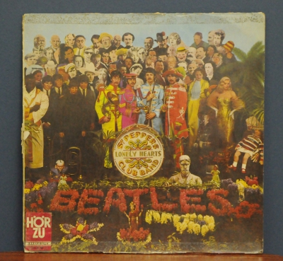 The Beatles- ‎ Sgt. Pepper\'s Lonely Hearts Club Band